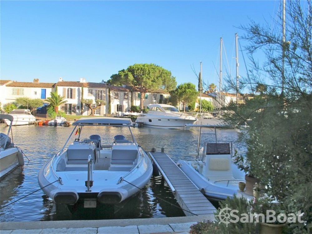 Boat rental Ivela Catamaran in Port Grimaud on Samboat