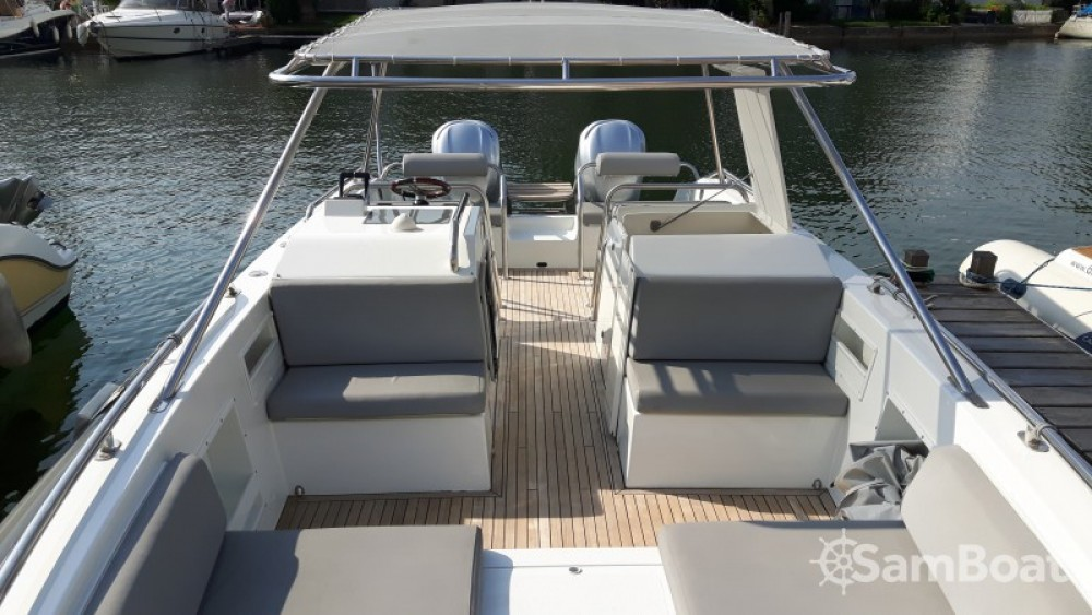 Rental Motor boat in Port Grimaud - Ivela Catamaran
