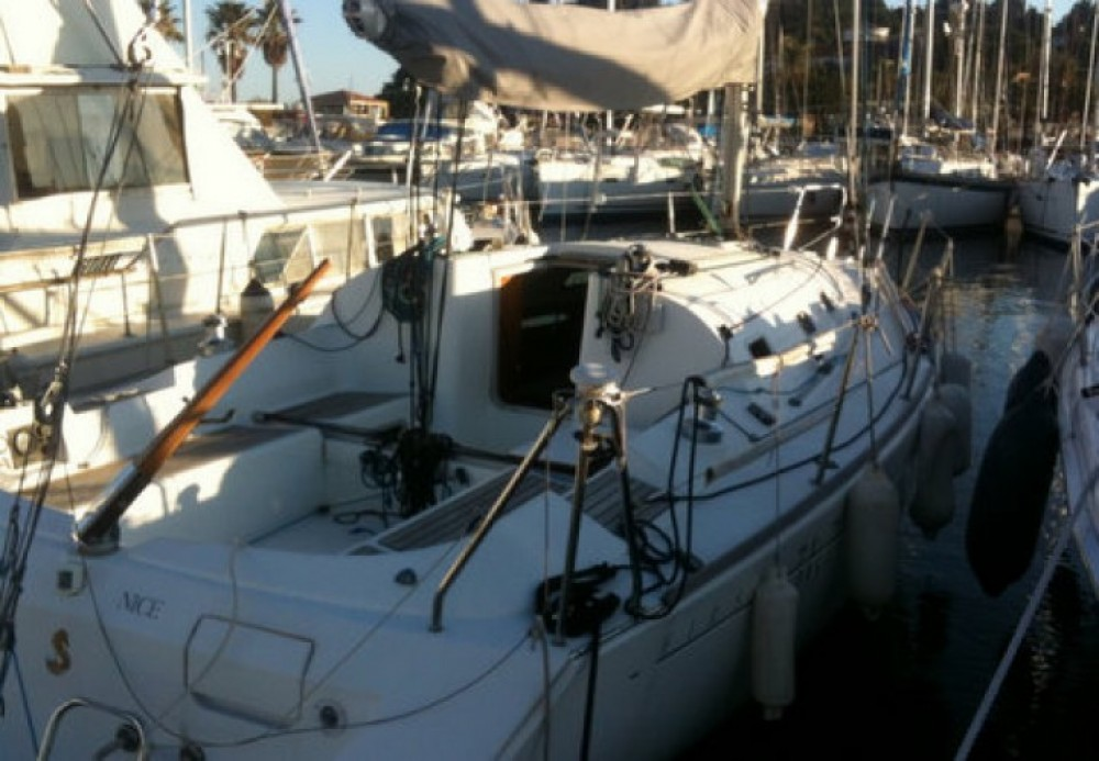 Boat rental Cavalaire-sur-Mer cheap First 31.7