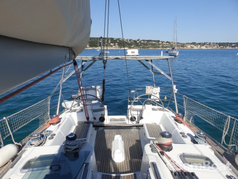Sailboat for rent Bandol at the best price