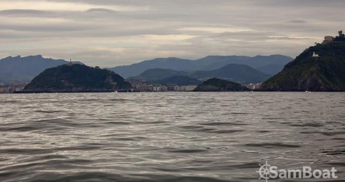 Sailboat for rent Donostia / San Sebastián at the best price