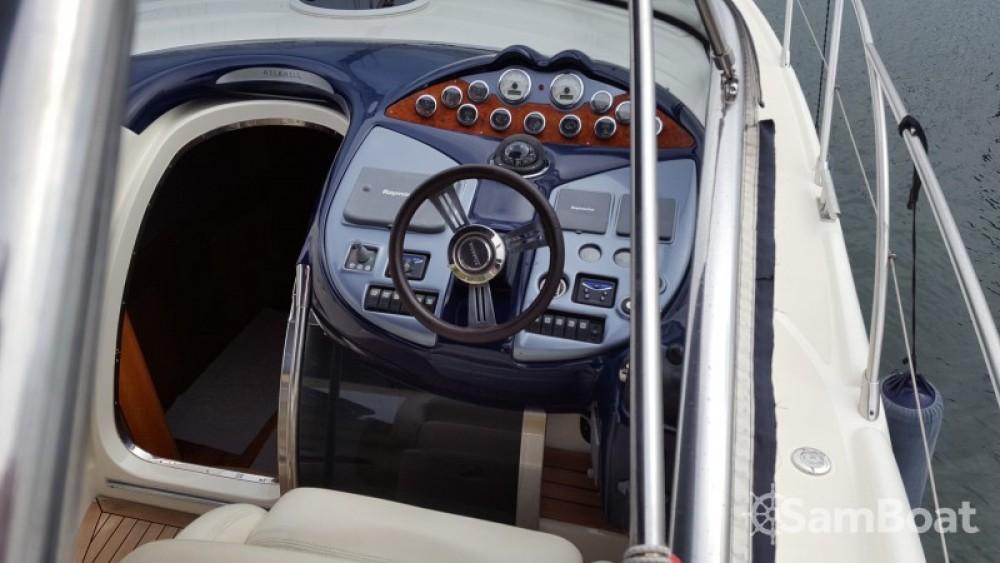 Rental Motor boat in Saint-Mandrier-sur-Mer - Gobbi Atlantis 42