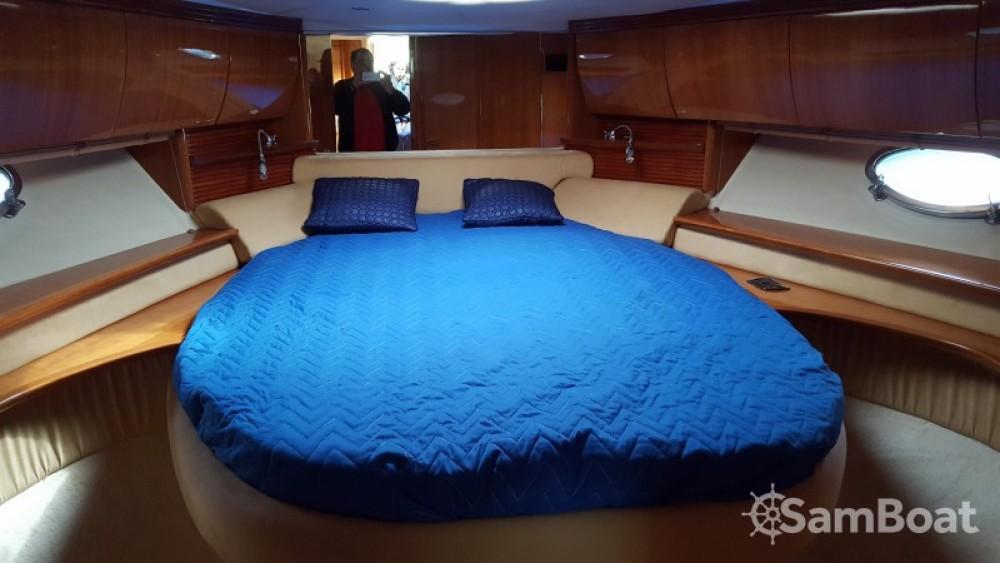 Motor boat for rent Saint-Mandrier-sur-Mer at the best price