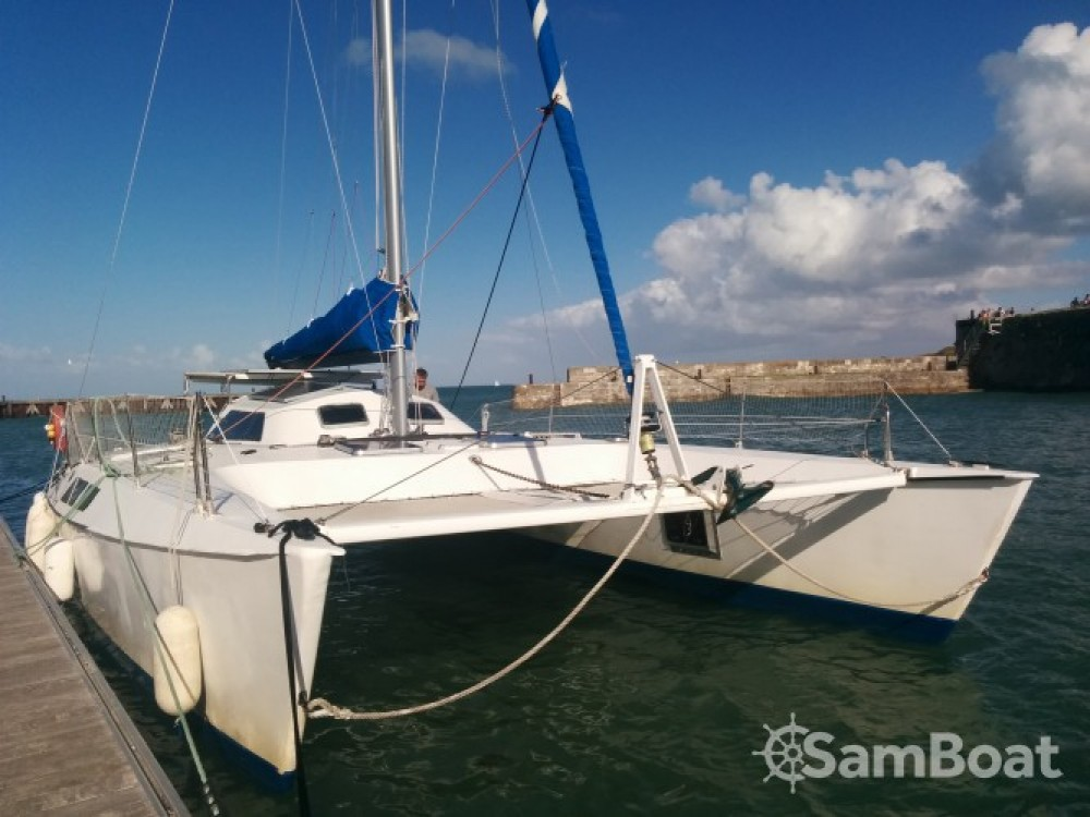 Catamaran for rent Rivedoux-Plage at the best price