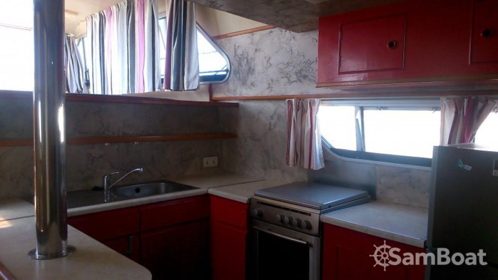 Rental yacht Sète - Crown-Cruiser Nautilia on SamBoat