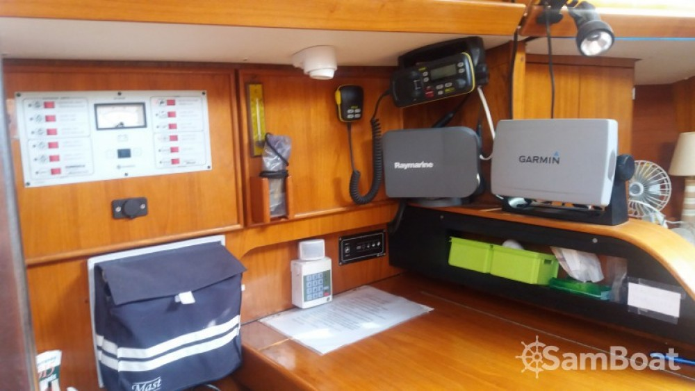 Boat rental Jeanneau Sun Odyssey in Toulon on Samboat