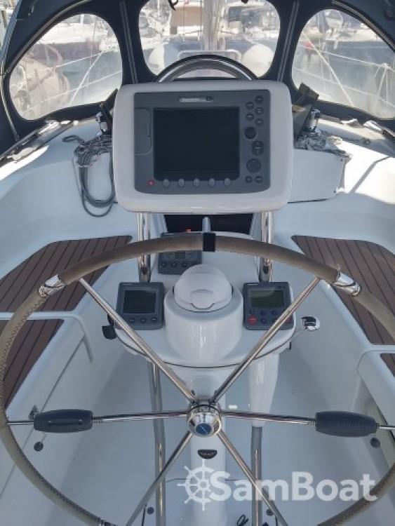 Rental yacht Vallauris - Hunter-Marine Hunter 36 on SamBoat
