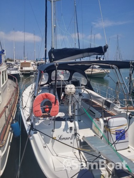 Hire Sailboat with or without skipper Hunter-Marine Port Camille Rayon