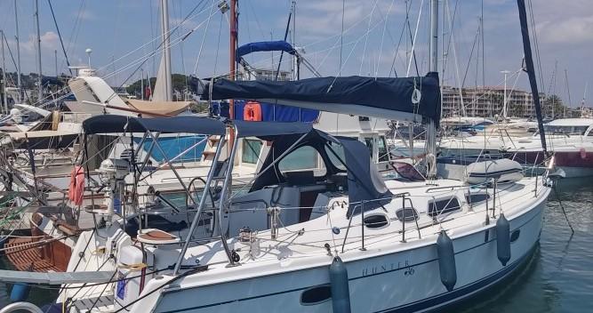 Rental Sailboat in Port Camille Rayon - Hunter Hunter 36