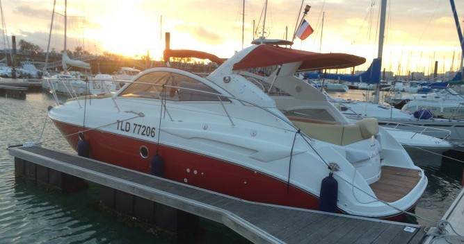 Hire Motorboat with or without skipper Bénéteau La Rochelle