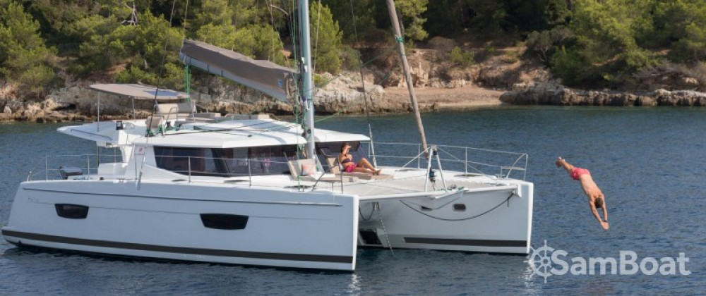Boat rental Fountaine Pajot News évolution 44 in Mandelieu-la-Napoule on Samboat
