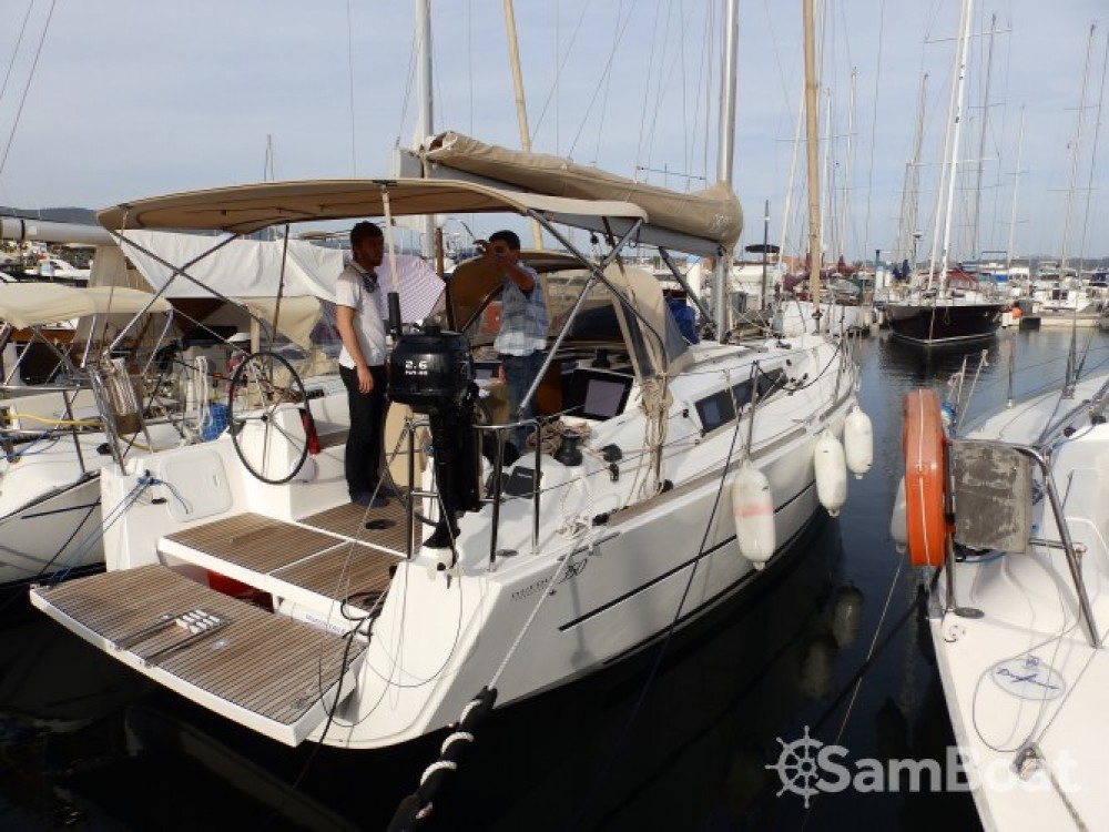 Dufour Dufour 350 Grand Large between personal and professional