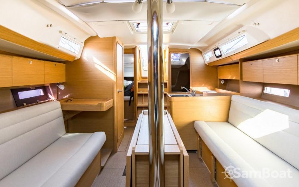 Rental Sailboat in  - Dufour Dufour 350 Grand Large