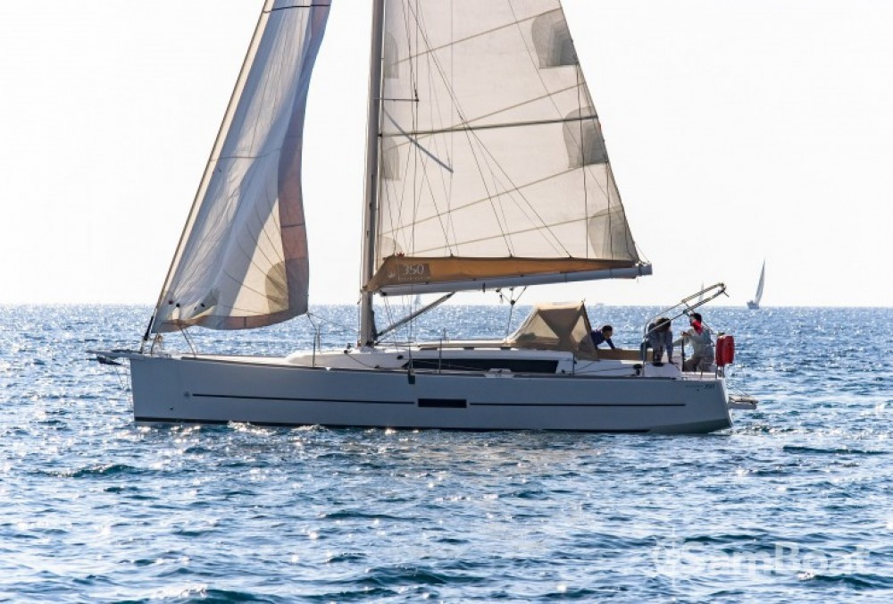 Rental yacht  - Dufour Dufour 350 Grand Large on SamBoat