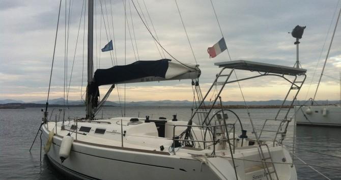 Sailboat for rent La Seyne-sur-Mer at the best price