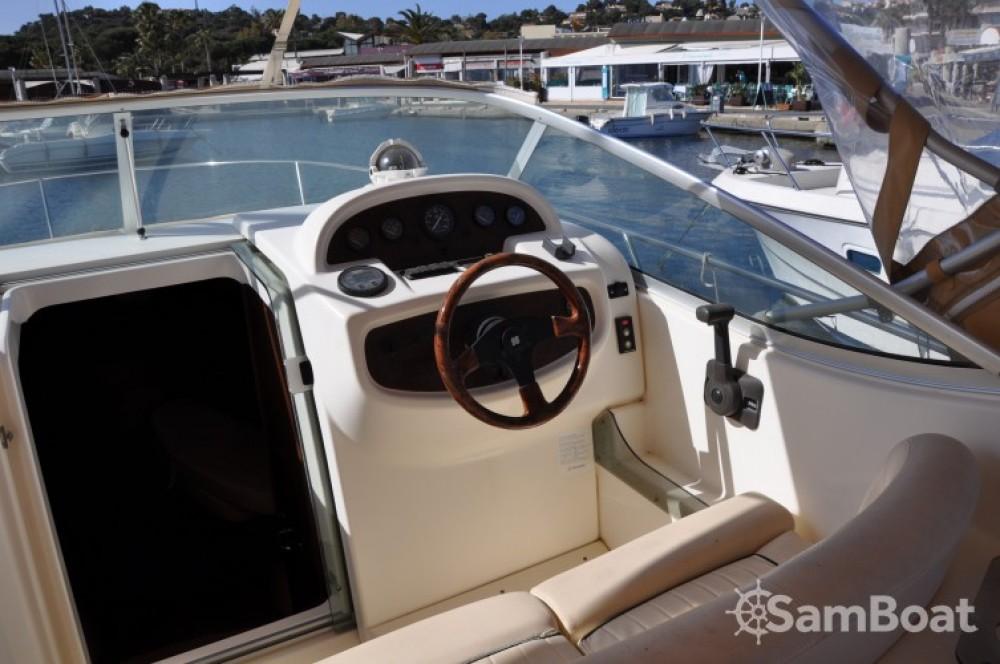 Boat rental Jeanneau Leader 805 in Cavalaire-sur-Mer on Samboat