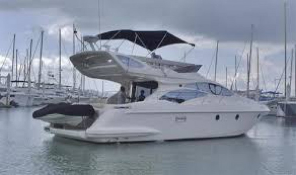 Rental Motorboat in Cannes - Azimut Azimut 43 Fly