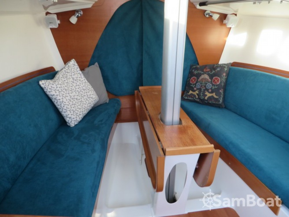 Rental Sailboat in Toulon - Archambault A35