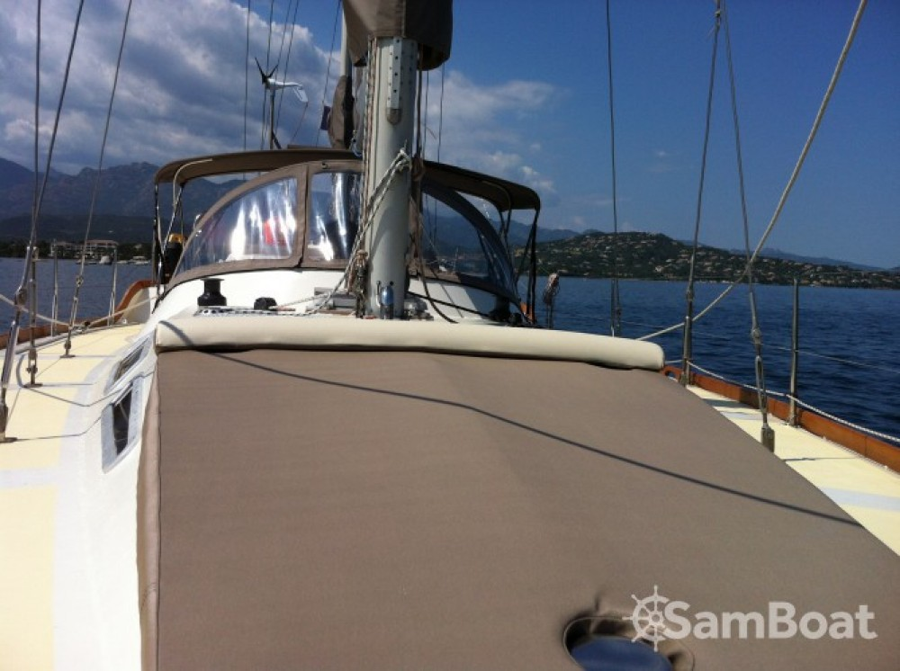 Sailboat for rent Porto-Vecchio at the best price