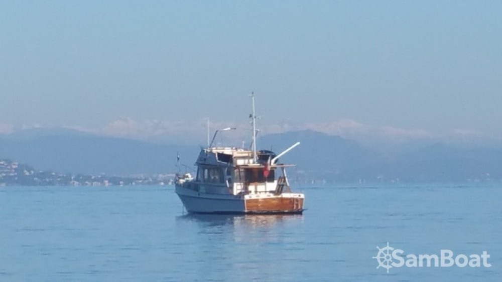 Rent a Grand Banks EUROPA 42 Grimaud