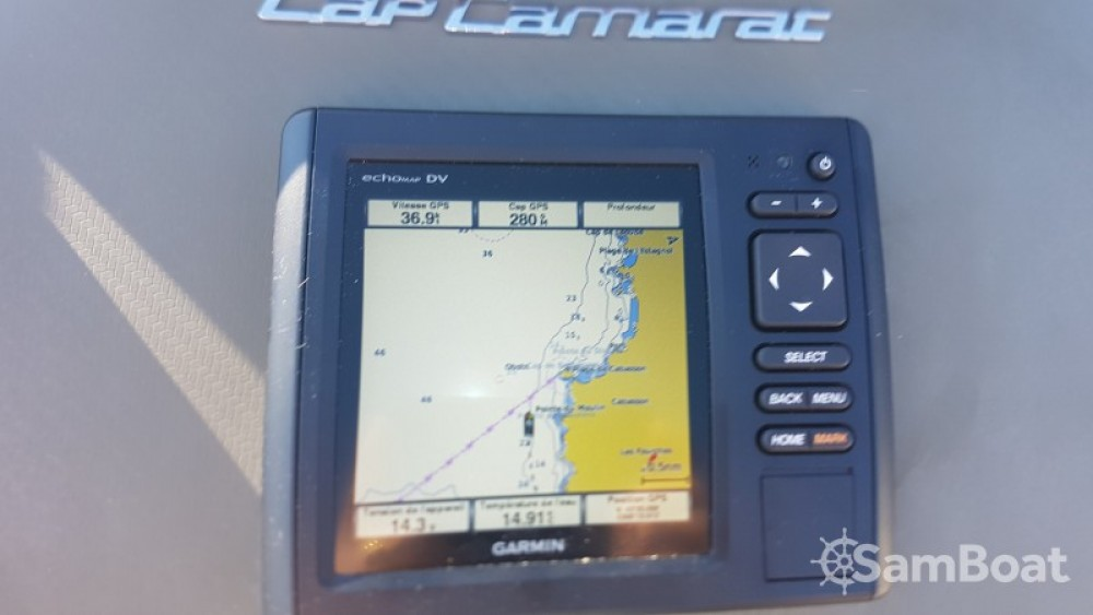 Jeanneau Cap Camarat 7.5 WA between personal and professional Saint-Mandrier-sur-Mer