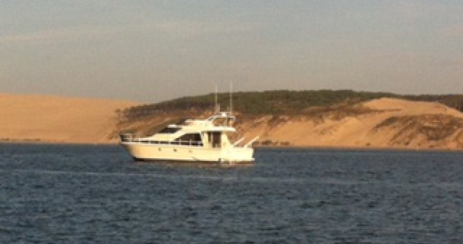 Motorboat for rent Le Canon at the best price