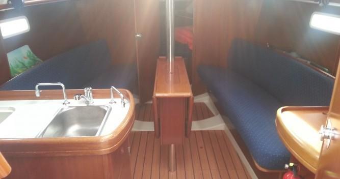 Boat rental Bénéteau Oceanis 311 in Solenzara on Samboat