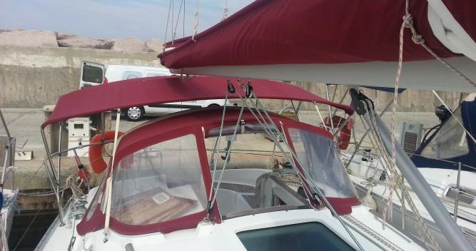 Rental yacht Solenzara - Bénéteau Oceanis 311 on SamBoat