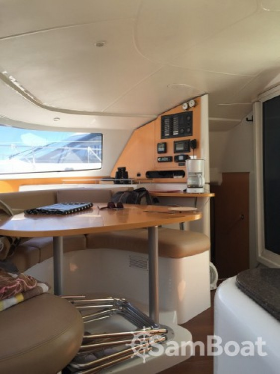 Fountaine Pajot Lavezzi 40 between personal and professional Saint-Raphaël