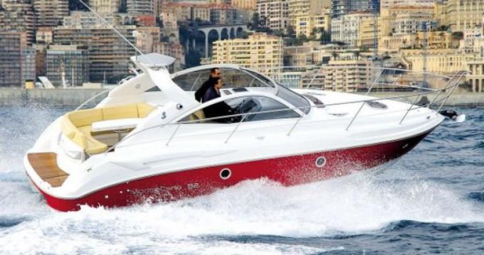 Rental Motorboat in Saint-Martin-de-Ré - Bénéteau Monte Carlo 32