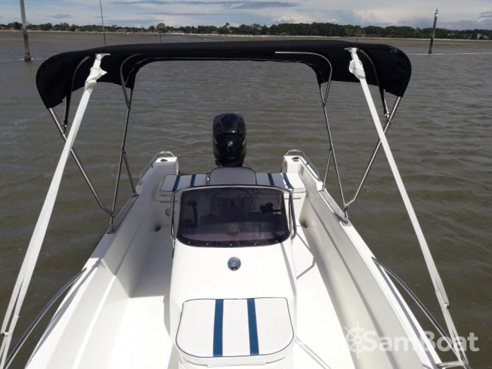 Rental Motorboat Chantier Naval Lajus with a permit