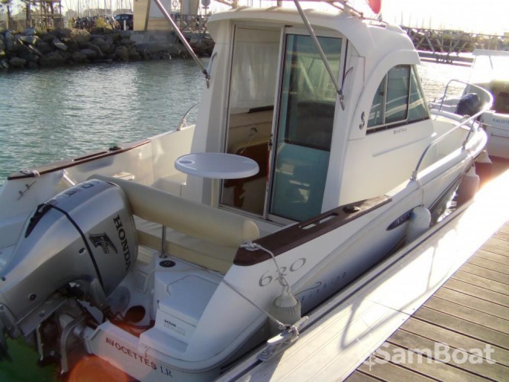 Rental Motorboat in La Rochelle - Bénéteau Antares 620 HB