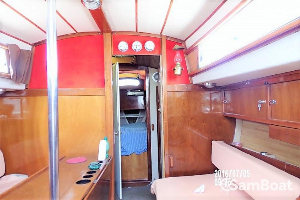Boat rental La Seyne-sur-Mer cheap Euros 41