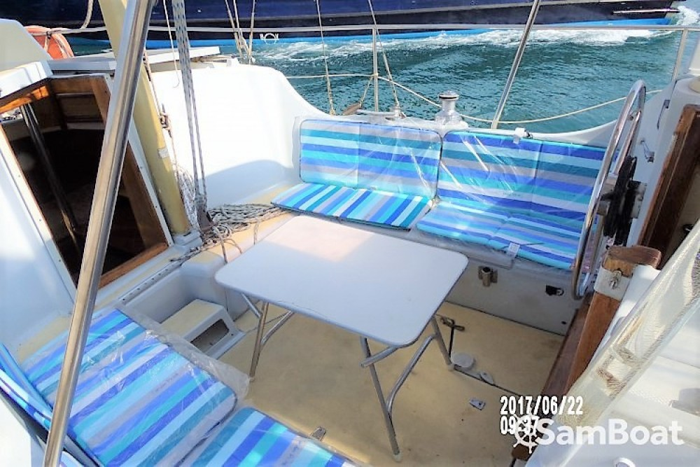 Hire Sailboat with or without skipper Amel La Seyne-sur-Mer