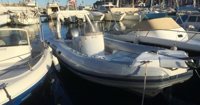 Rent a Capelli Tempest 750 Bastia