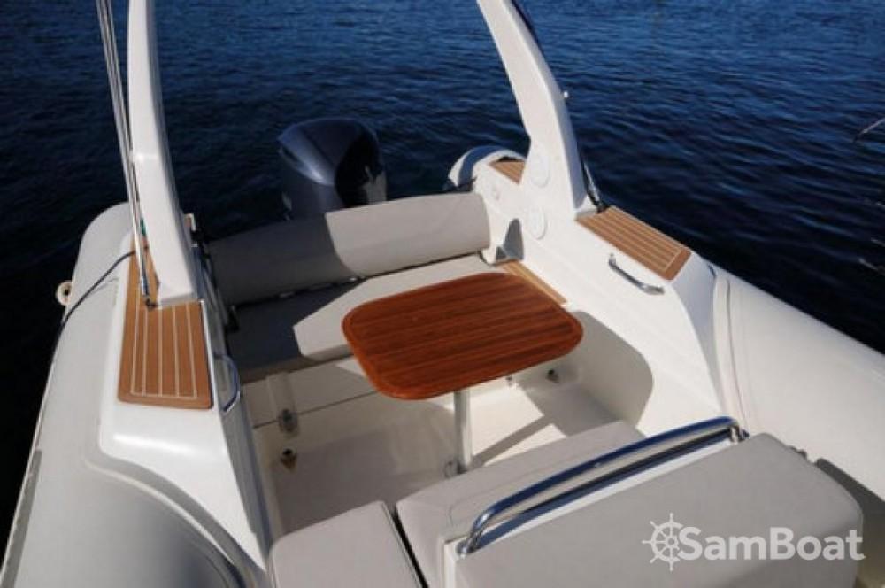 Rental yacht Saint-Florent - Capelli Tempest 770 on SamBoat