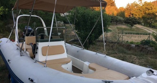 RIB for rent Saint-Cyr-sur-Mer at the best price