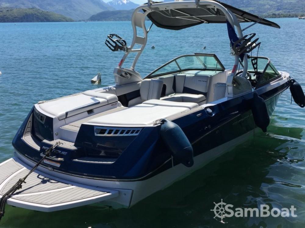 Boat rental Nautique Correct Craft Super Air Nautique 230 in Annecy on Samboat