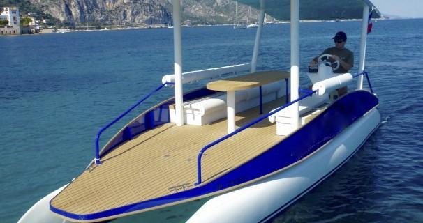Boat rental Suncy Suncy 19 in Beaulieu-sur-Mer on Samboat