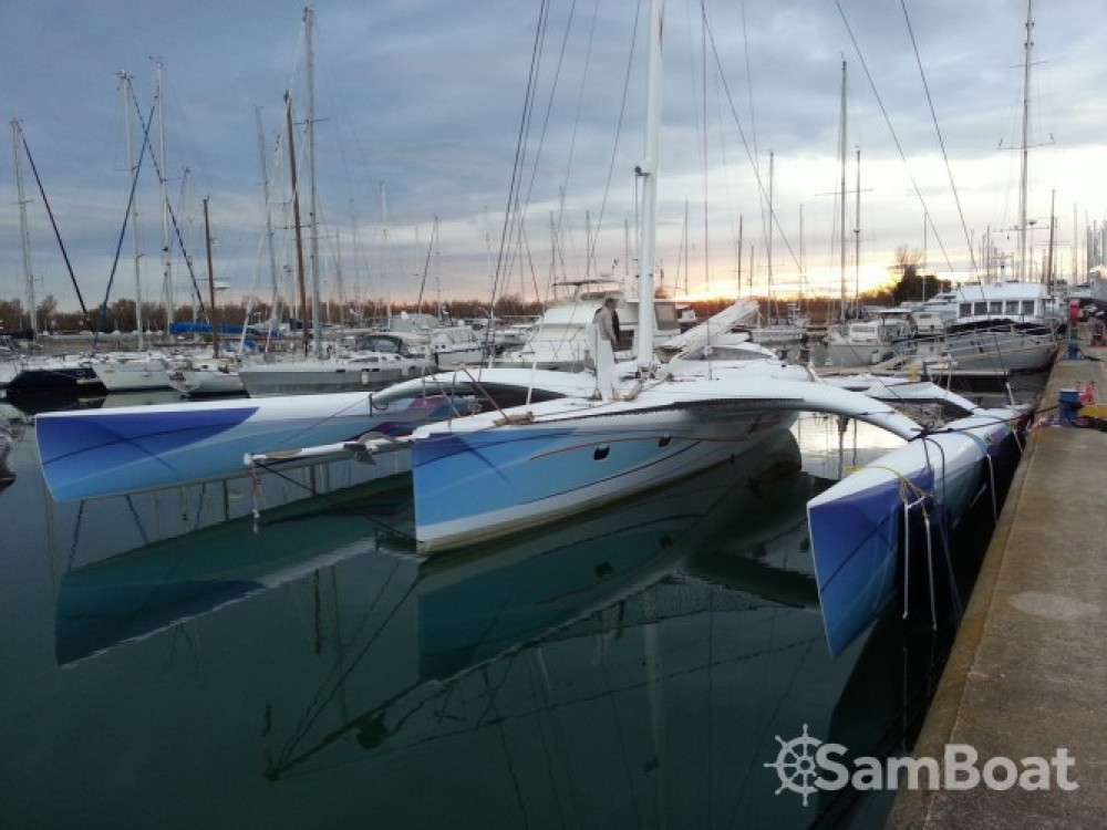 Rental Catamaran Chantier-Mer-Et-Composites with a permit