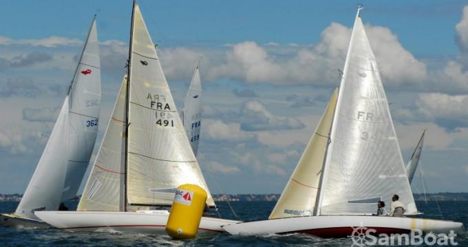 Sailboat for rent Noirmoutier-en-l'Île at the best price