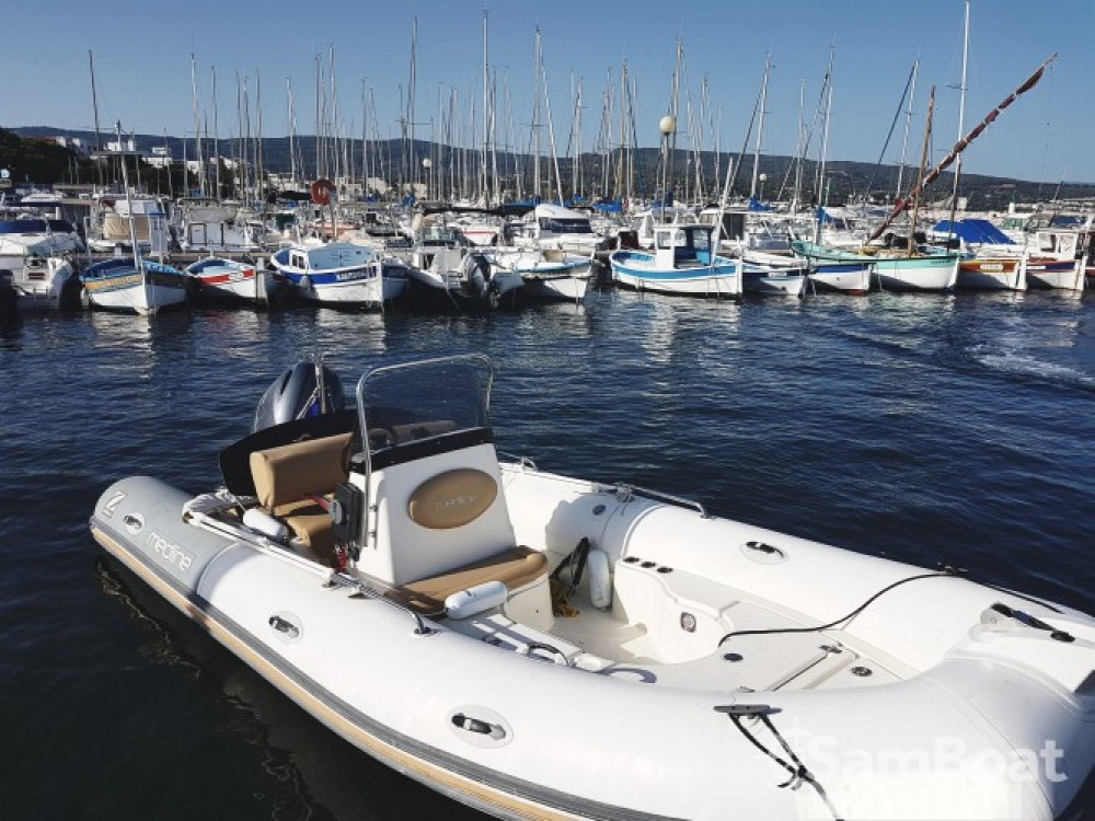 Rent a Zodiac Medline 550 La Ciotat