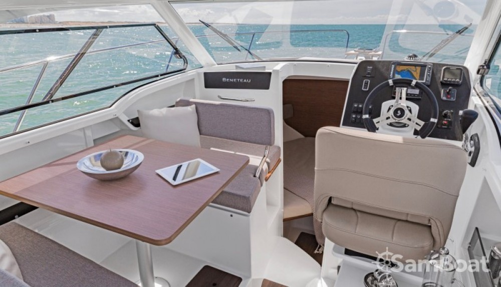 Boat rental Marseille cheap Antares 8 OB