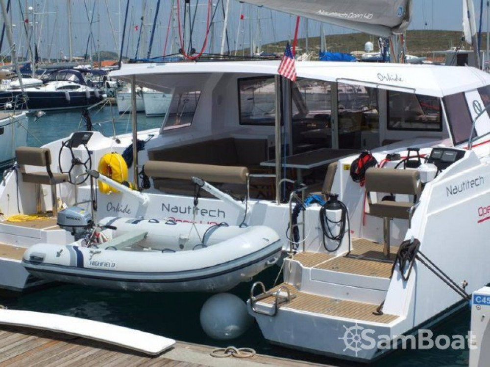 Boat rental Nautitech Nautitech 40 in Vólos on Samboat