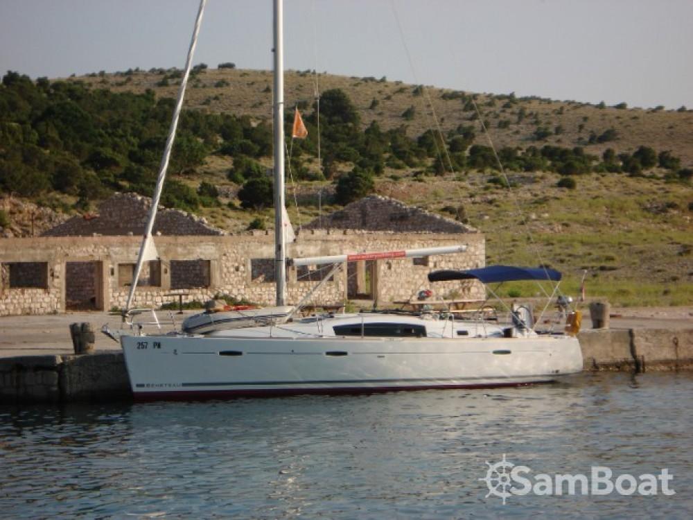 Rent a Bénéteau Oceanis 40 Croatia