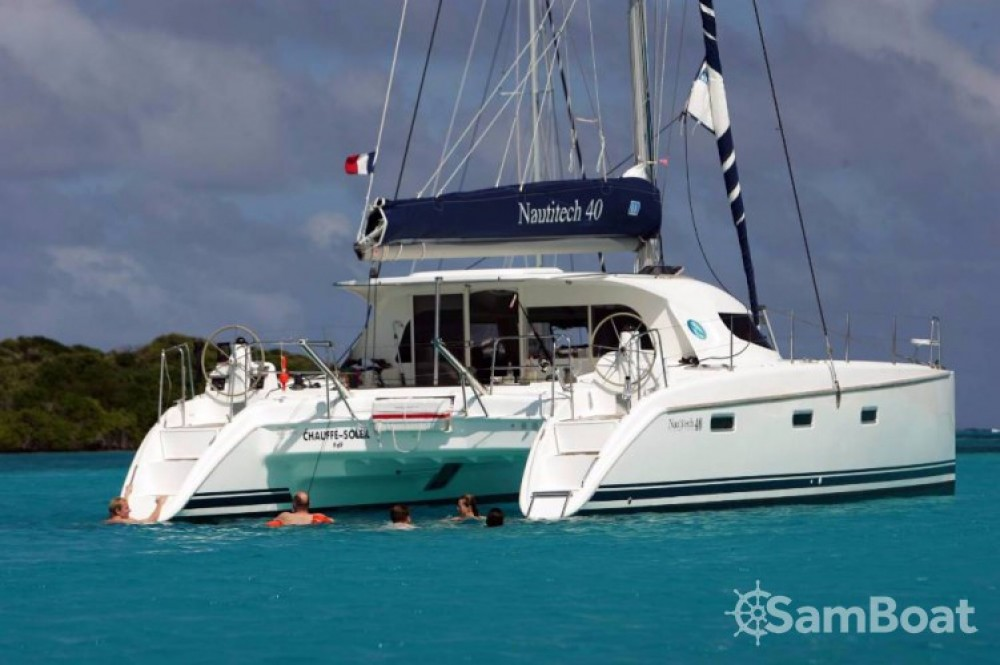 Hire Catamaran with or without skipper Nautitech
