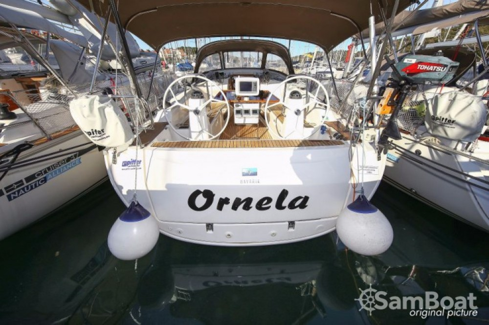 Boat rental Grad Pula cheap R40