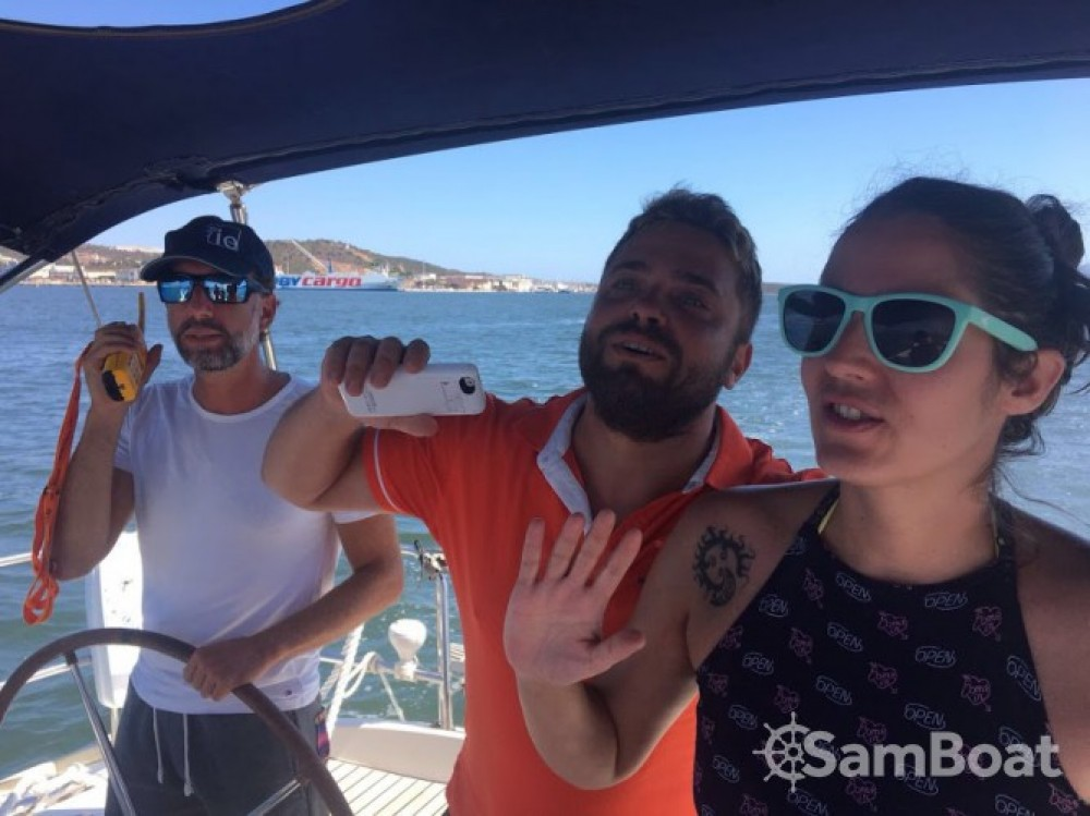 Hire Sailboat with or without skipper Bénéteau Dénia
