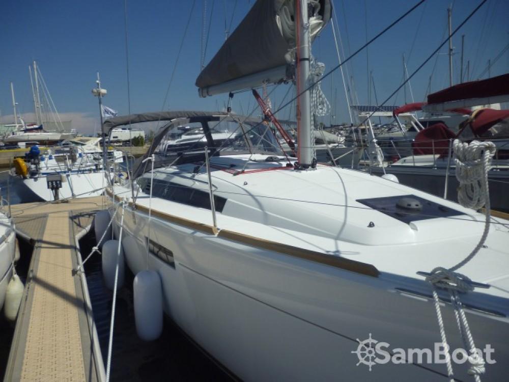 Boat rental Jeanneau Sun Odyssey 349 in Hyères on Samboat