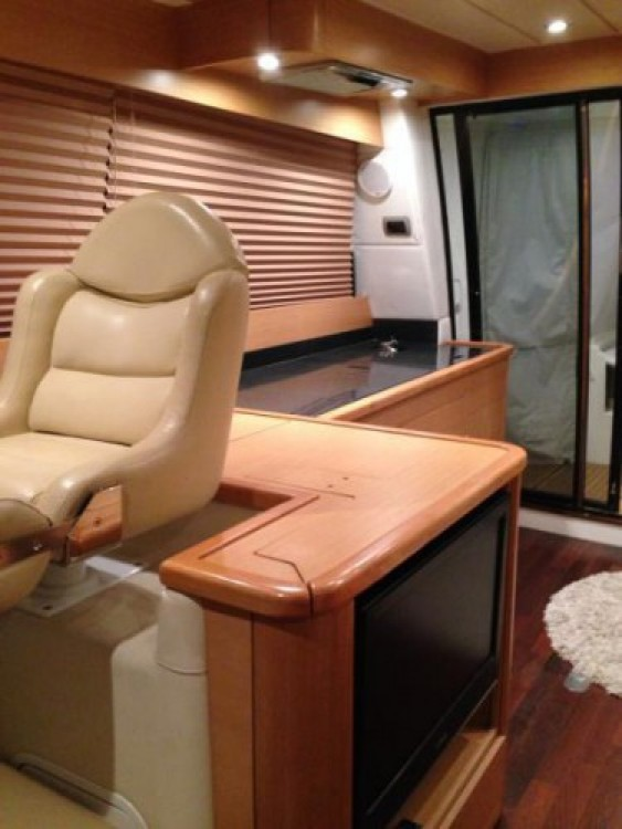 Motorboat for rent Saint-Tropez at the best price